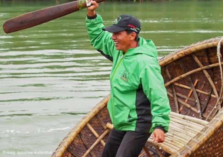 20190415-Vietnam-Tanz-Nussschale