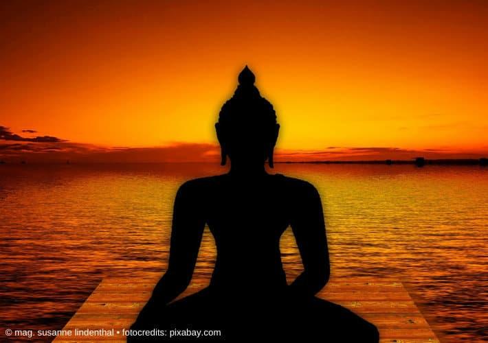20201223-Budda-Statue-mit-Sonnenuntergang