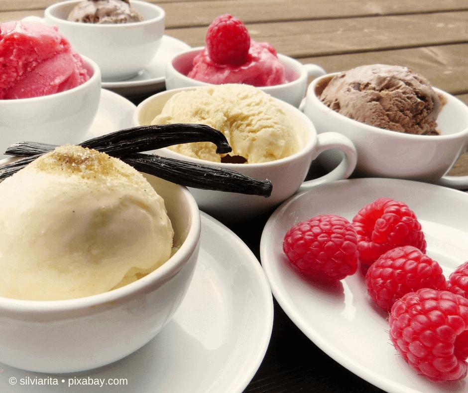 HImbeeren und Vanilleeis