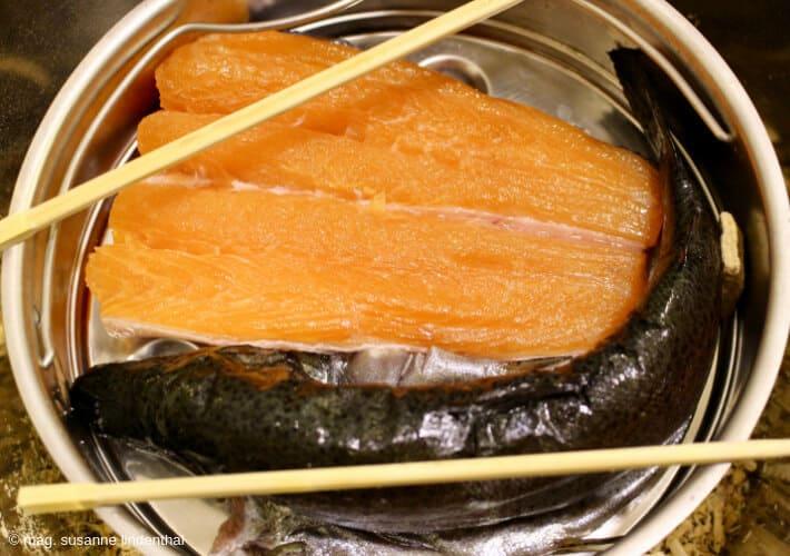 Fisch-selbst-räuchern-1-versuch-fisch-räuchertopf