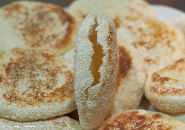 20190415-Eier-Benedict-English-Muffins-fork-split