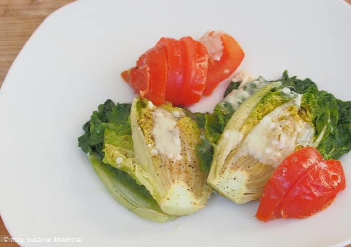 Salatherzen mit Parmesan