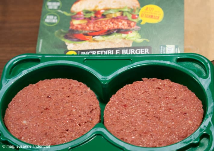 20200106-Fleisch-meets-Veggie-Incredible-Burger-roh-offene-Packung